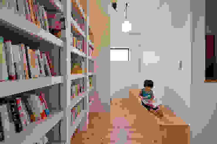Skandinavische Arbeitszimmer von haws建築設計事務所 Skandinavisch Holz Holznachbildung