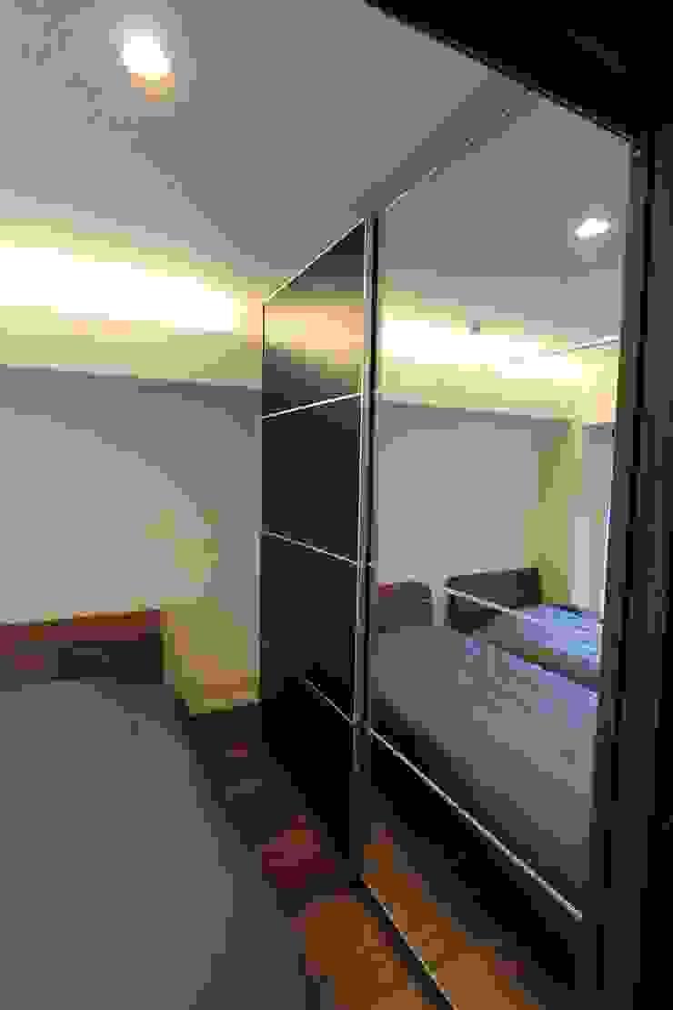 贅沢な大人の箱 I's home: 有限会社横田満康建築研究所が手掛けた現代のです。,モダン