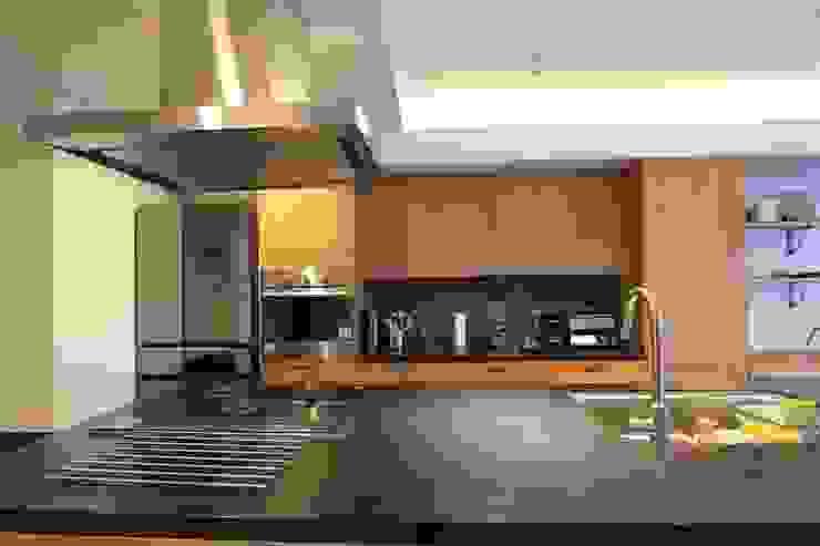 贅沢な大人の箱 I's home: 有限会社横田満康建築研究所が手掛けたスカンジナビアです。,北欧