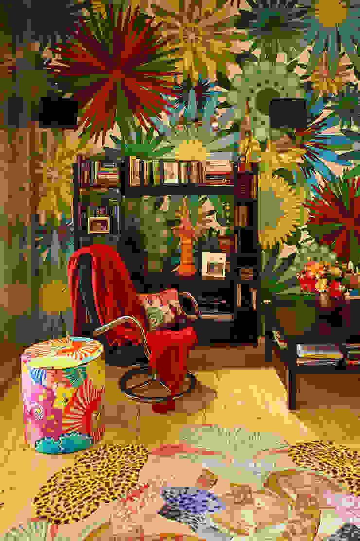 Реконструкция интерьера для семьи с маленькими детьми, 2014-15 гг. Гостиная в стиле модерн от Бюро Акимова и Топорова Модерн