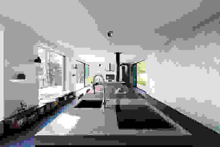 PLANET architects モダンな キッチン