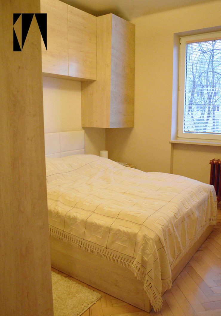 Miodowe Minimalistyczna sypialnia od Katarzyna Wnęk Minimalistyczny
