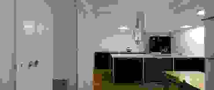Apartamento na Sé Cozinhas clássicas por Ricardo Carvalho + Joana Vilhena Arquitectos Clássico