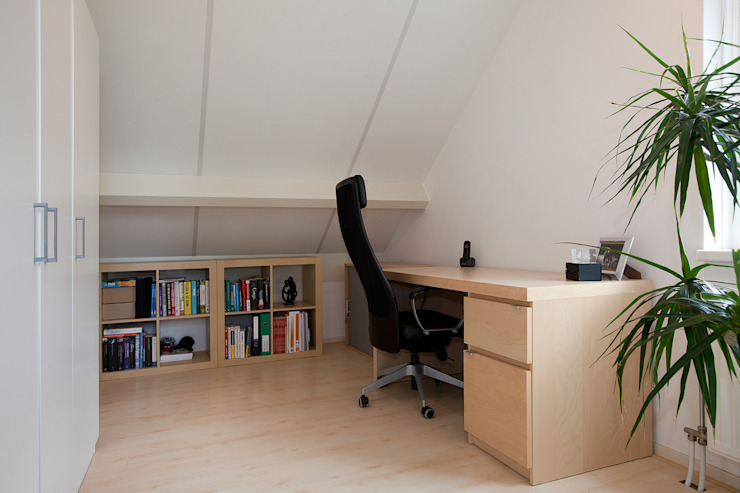 Modern Study Room and Home Office by Hans Been Architecten BNA BV Modern