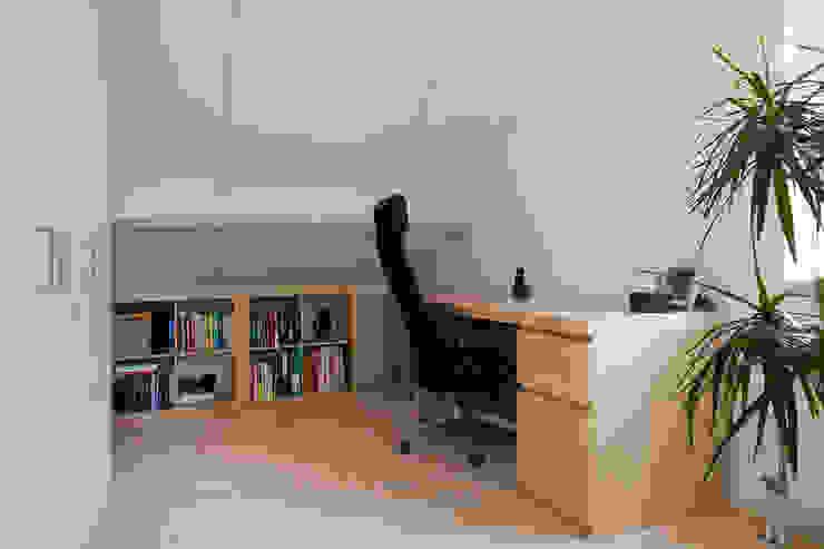 Zeewolde Moderne studeerkamer van Hans Been Architecten BNA BV Modern