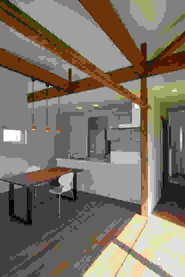 フクシアンドフクシ建築事務所 客廳 木頭 Wood effect