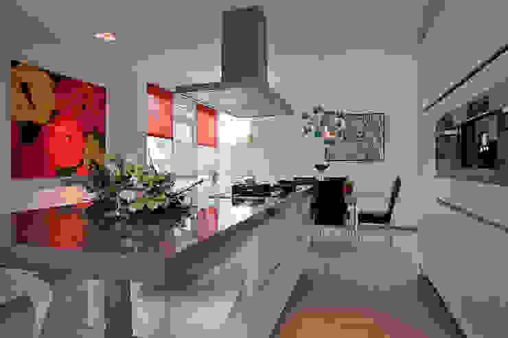 Modern Kitchen by Hans Been Architecten BNA BV Modern