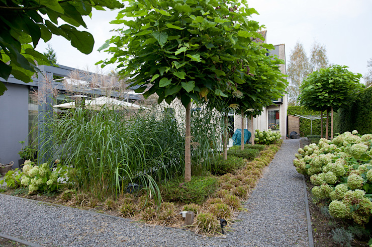 Zeewolde:  Tuin door Hans Been Architecten BNA BV , Modern