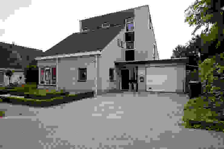 Zeewolde:  Huizen door Hans Been Architecten BNA BV , Modern