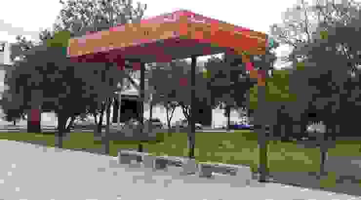 Plaza del Mariachi Casas modernas de Nacional de Bancas Moderno