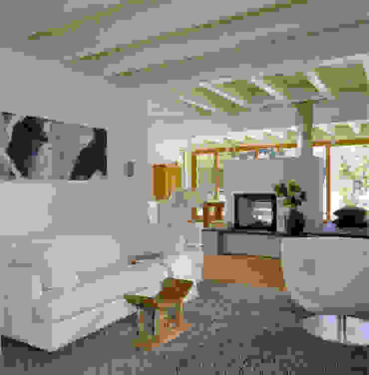 Modern Living Room by Bau-Fritz GmbH & Co. KG Modern