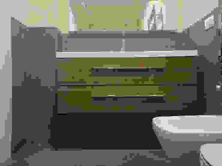 studionove architettura Mediterranean style bathrooms Pottery Grey