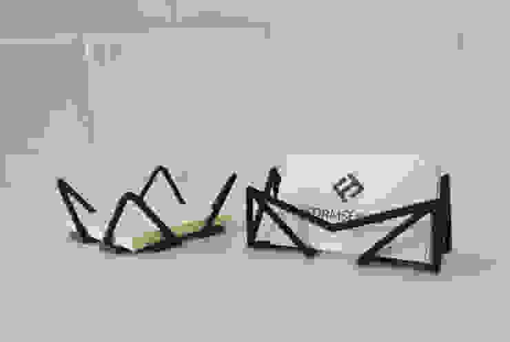 """Wire"" sticky notes and business cards holder od Formsfield Minimalistyczny"
