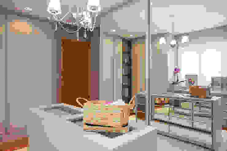 Vestidores y closets de estilo  por Arquitetura 8 - Ana Spagnuolo & Marcos Ribeiro, Moderno
