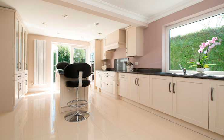 sophistication in cream Chalkhouse Interiors Classic style kitchen Wood