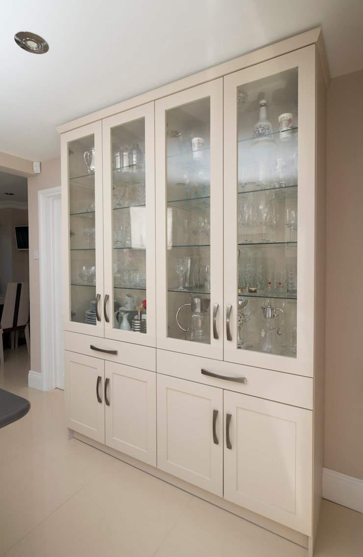 sophistication in cream Chalkhouse Interiors Classic style kitchen