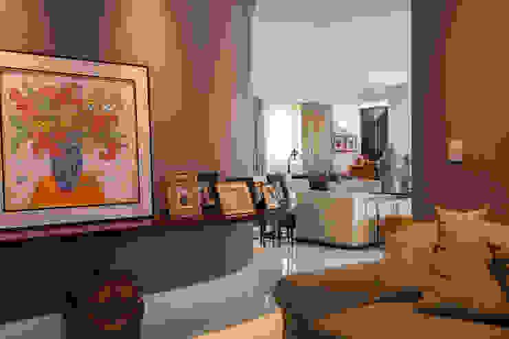 Salas multimedia de estilo  por Arquitetura 8 - Ana Spagnuolo & Marcos Ribeiro, Moderno