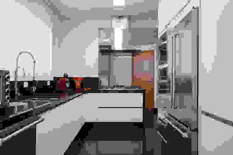 Cozinha Cozinhas modernas por Arquitetura 8 - Ana Spagnuolo & Marcos Ribeiro Moderno