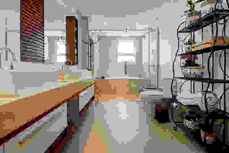 Banheiro - Casal Banheiros modernos por Arquitetura 8 - Ana Spagnuolo & Marcos Ribeiro Moderno