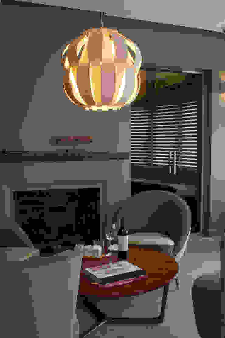 Modern Dining Room by Paula Herrero | Arquitectura Modern