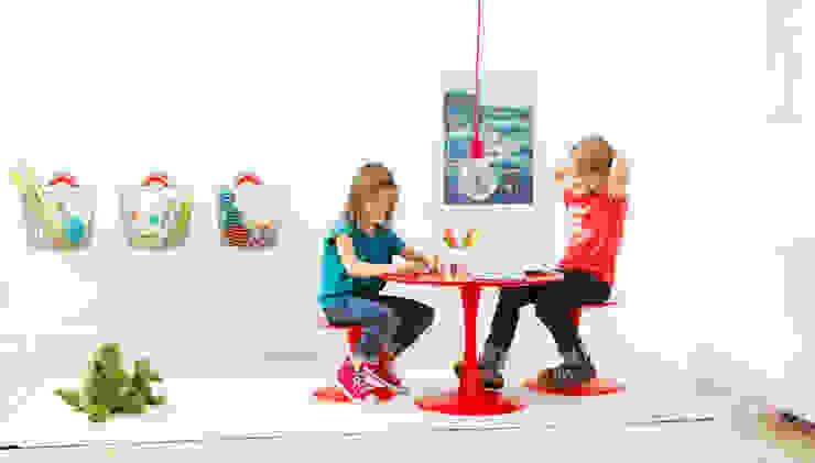 Nursery/kid's room by Korbo, Modern