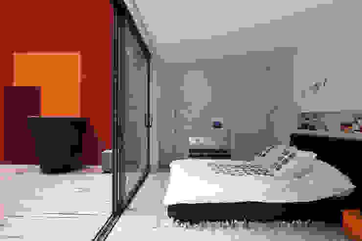 Casas modernas: Ideas, imágenes y decoración de Estudio de Arquitectura Teresa Sapey Moderno