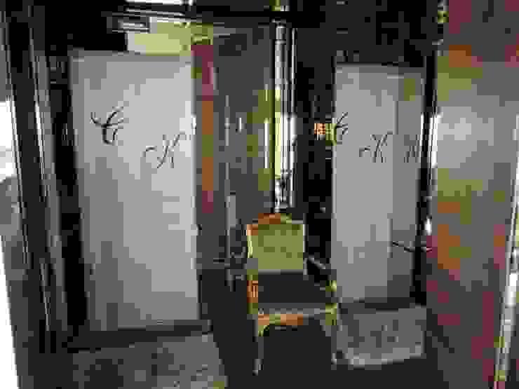 Couloir, entrée, escaliers classiques par PL ARQUITETURA Classique