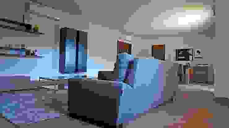 Salas de estilo  por Construccions Cristinenques, S.L.