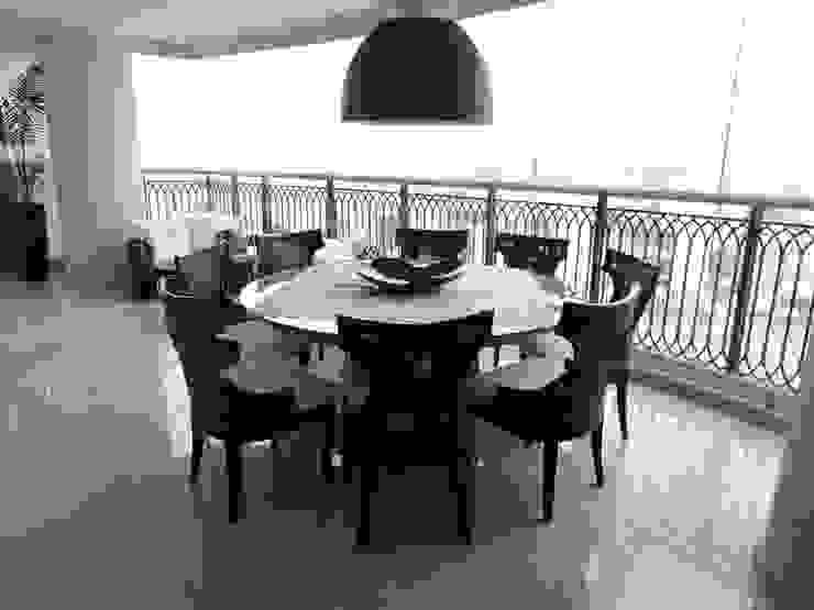 Balcon, Veranda & Terrasse classiques par PL ARQUITETURA Classique