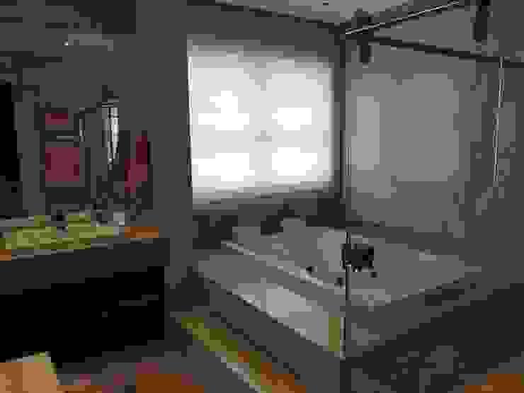Salle de bain classique par PL ARQUITETURA Classique