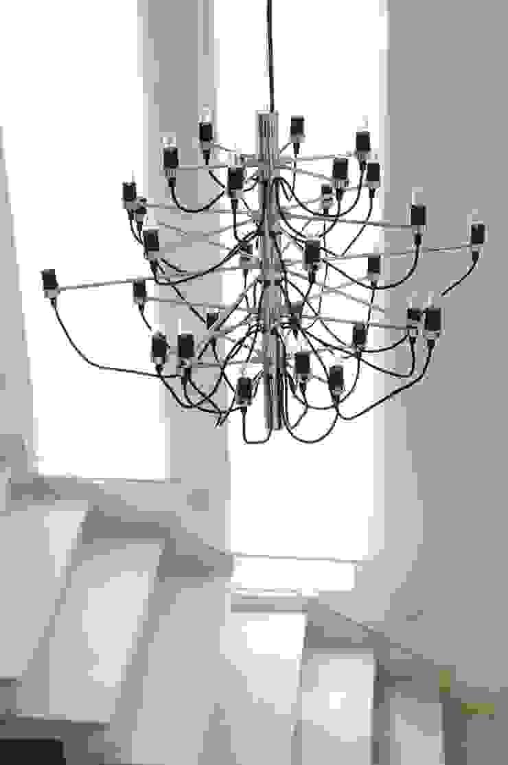 Casa GC Pasillos, vestíbulos y escaleras modernos de Cólorful Casa Creadora Moderno