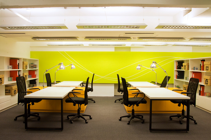 Paula Herrero   Arquitectura Modern study/office Yellow