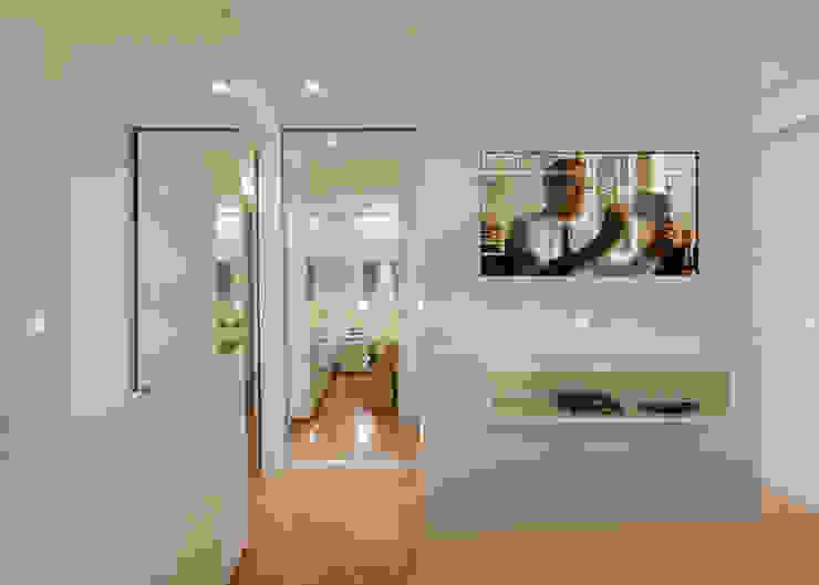 Dormitorios de estilo  de Carmen Calixto Arquitetura, Moderno Madera Acabado en madera