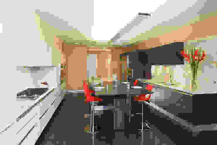 Casas La Punta Cocinas minimalistas de grupoarquitectura Minimalista
