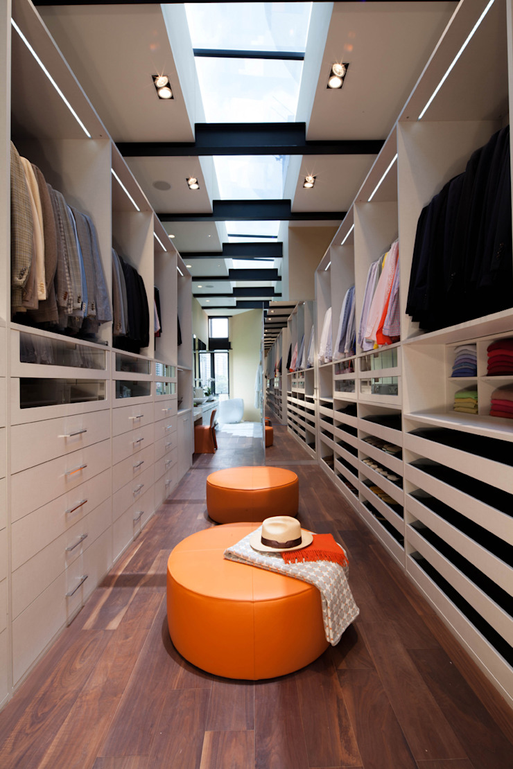 Casas La Punta Closets de estilo minimalista de grupoarquitectura Minimalista