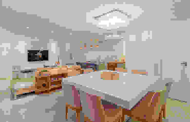 Comedores de estilo  de Carmen Calixto Arquitetura, Moderno