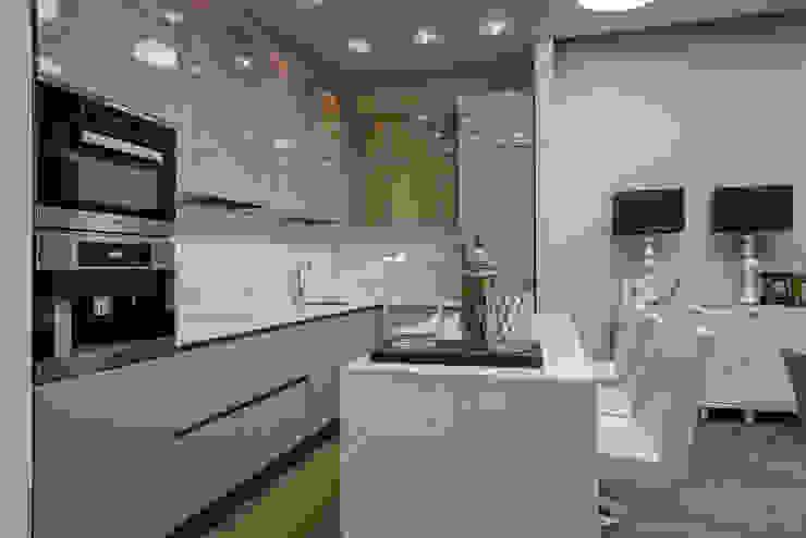 Кухня в квортире на Якиманке Кухня в классическом стиле от Дизайн-студия «ARTof3L» Классический