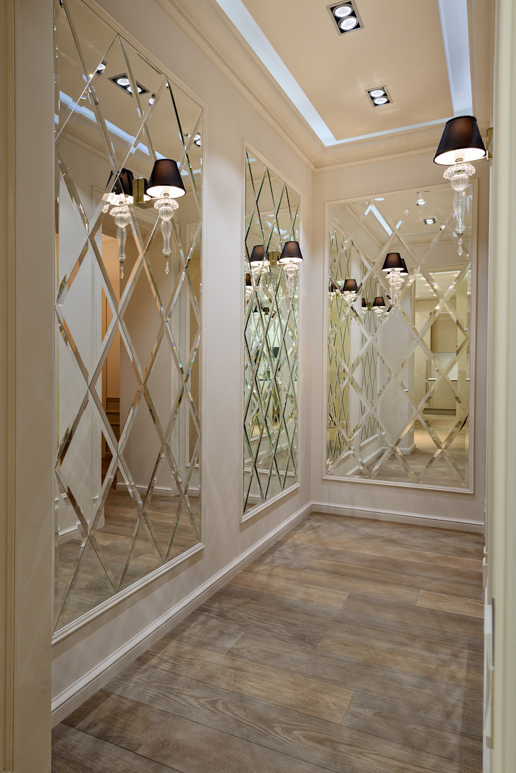 Прихожая в квортире на Якиманке Коридор, прихожая и лестница в классическом стиле от Дизайн-студия «ARTof3L» Классический