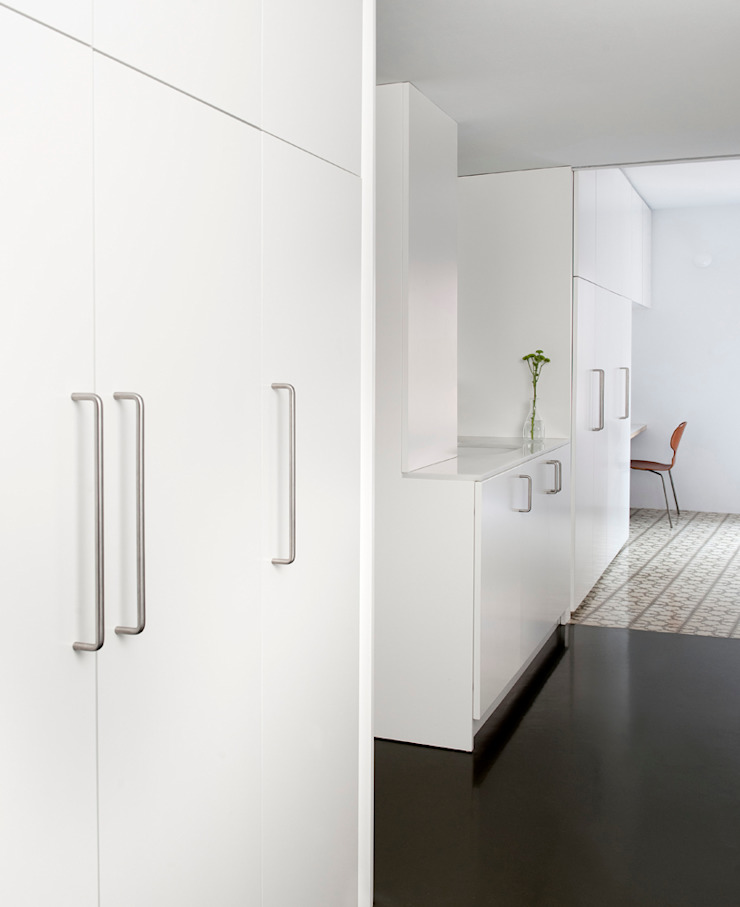 Dormitorios modernos de manrique planas arquitectes Moderno