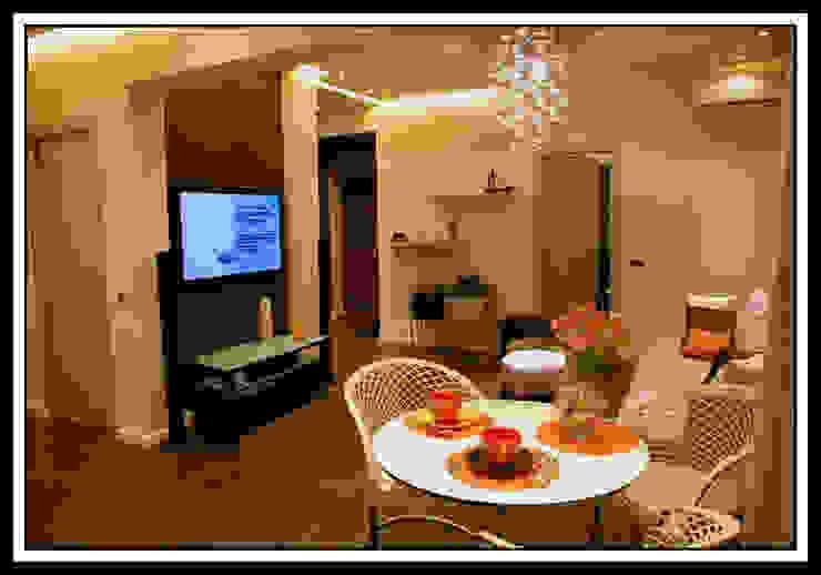 Гостиная в квартире на Тверской Столовая комната в классическом стиле от Дизайн-студия «ARTof3L» Классический