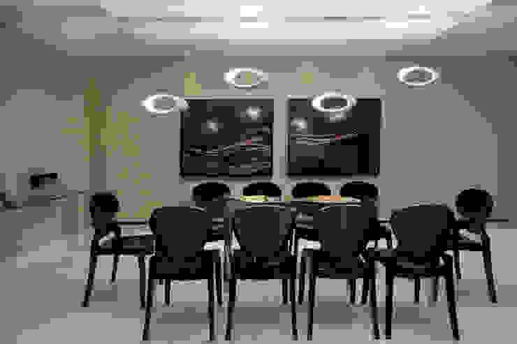 Casa São bernardo do Campo Salas de jantar modernas por Leila Libardi Moderno