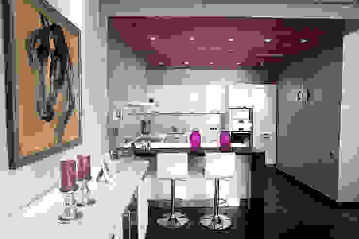 Кухня в квартире на Смоленской Кухня в стиле модерн от Дизайн-студия «ARTof3L» Модерн