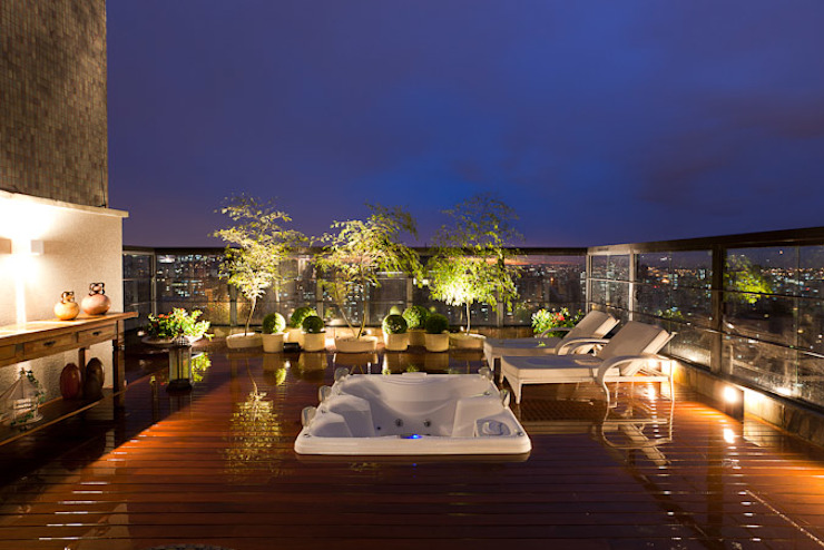 Terraço da cobertura Varandas, alpendres e terraços modernos por Mariana Borges e Thaysa Godoy Moderno