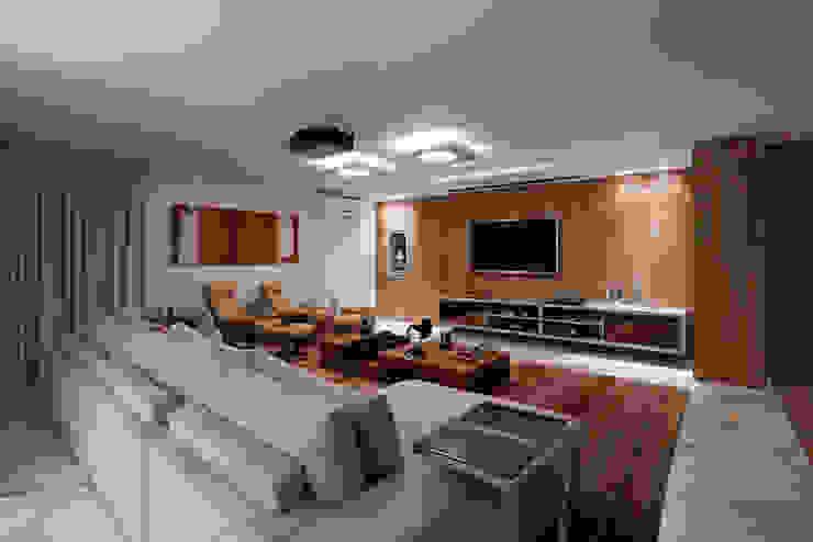 Home Theater da Cobertura Salas multimídia modernas por Mariana Borges e Thaysa Godoy Moderno