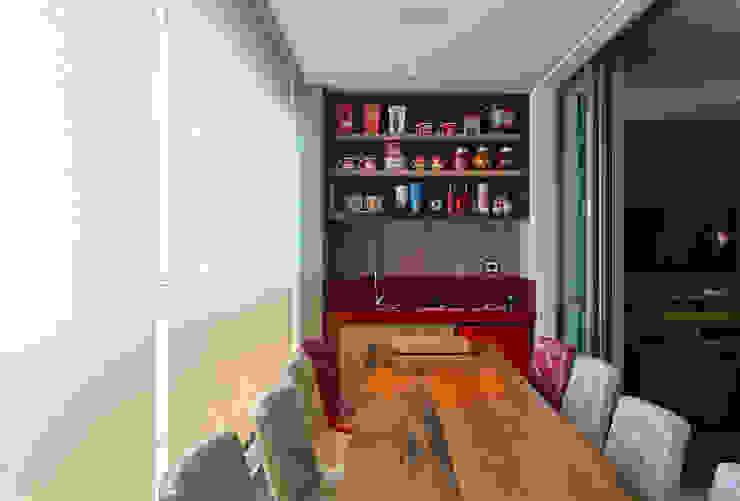 Balkon, Beranda & Teras Modern Oleh Mariana Borges e Thaysa Godoy Modern