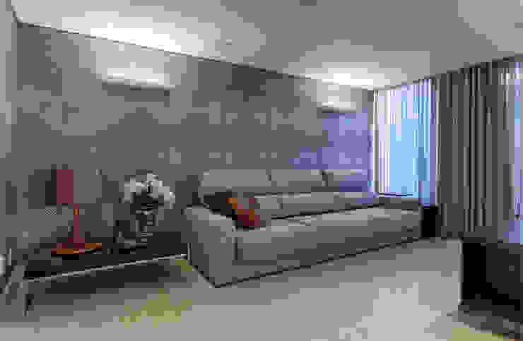 Home Theater Salas multimídia modernas por Mariana Borges e Thaysa Godoy Moderno