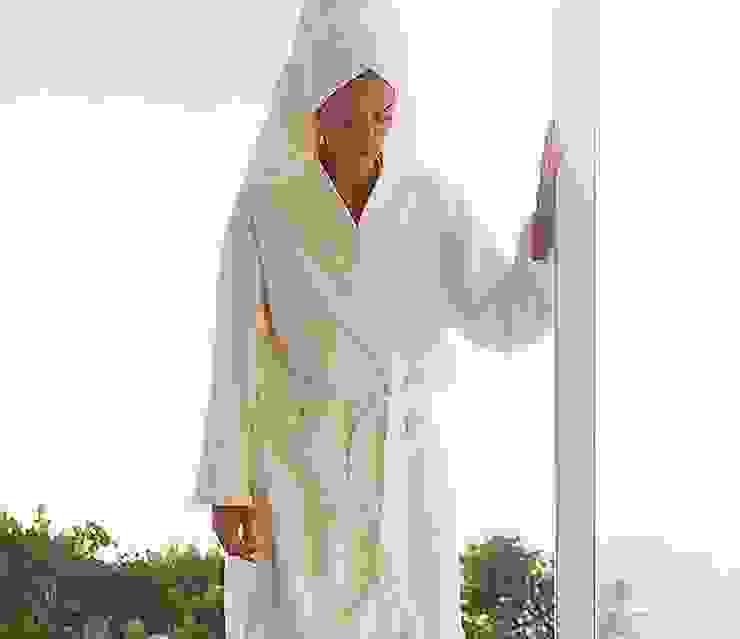 Peignoir de bain en tissu éponge 100% coton par King of Cotton France Moderne Coton Rouge