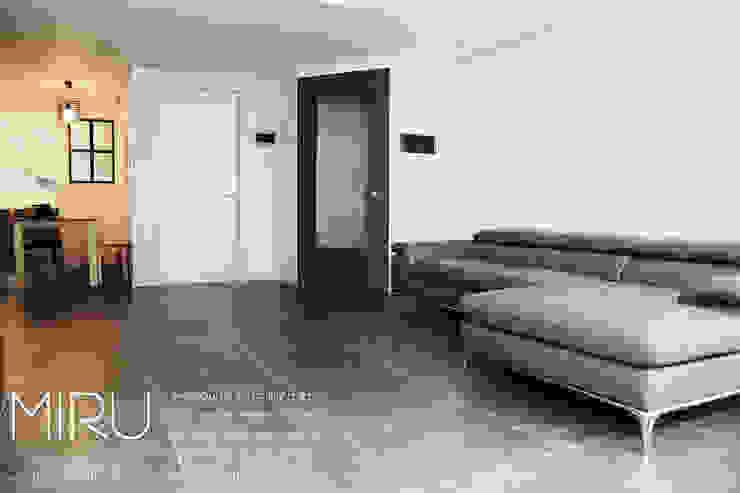 트랜디한 아파트인테리어(거실) 모던스타일 거실 by 미루디자인 모던