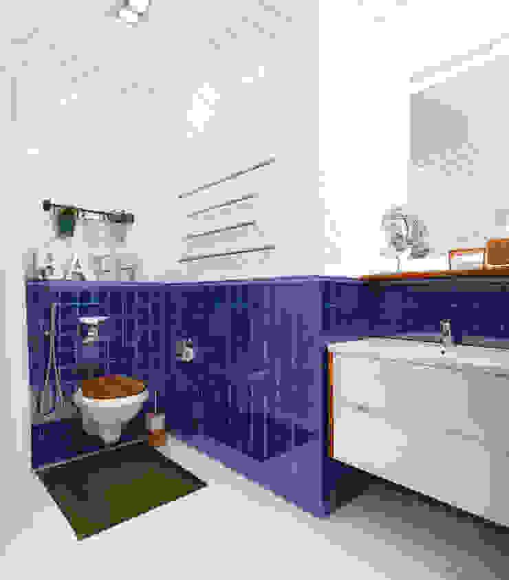 Eclectic style bathroom by Настасья Евглевская Eclectic Tiles