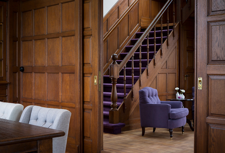 Villa Louise Classic style corridor, hallway and stairs by Foto Buro Brabant Classic